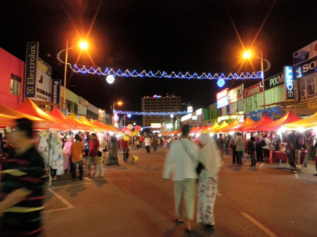 essay on night market in malaysia Open document below is an essay on malaysia night market from anti essays, your source for research papers, essays, and term paper examples.